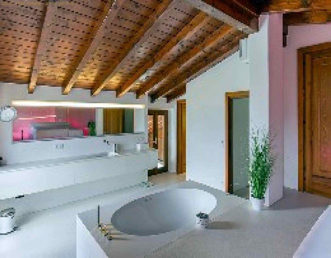 gardasee luxus villa zu verkaufen haus am gardasee kaufen. Black Bedroom Furniture Sets. Home Design Ideas